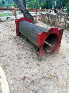 Oxidación de estructuras metálicas y maderas sueltas, hace parte del panorama en la zona canina del parque. - Suministrada/GENTE DE CABECERA