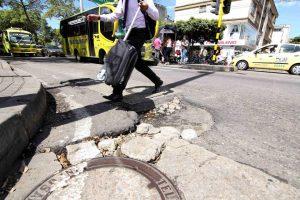 Con más de $2 mil millones, la Alcaldía de Bucaramanga busca tapar 327 huecos críticos en diferentes puntos de la ciudad. - Élver Rodríguez/GENTE DE CABECERA