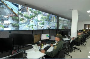 Además de la instalación de más equipos de videovigilancia, la Alcaldía de Bucaramanga anunció que también se remodeló el Centro de Monitoreo de la Policía Metropolitana de Bucaramanga, tanto en su infraestructura física como en lo relacionado a la operatividad. - Archivo/GENTE DE CABECERA
