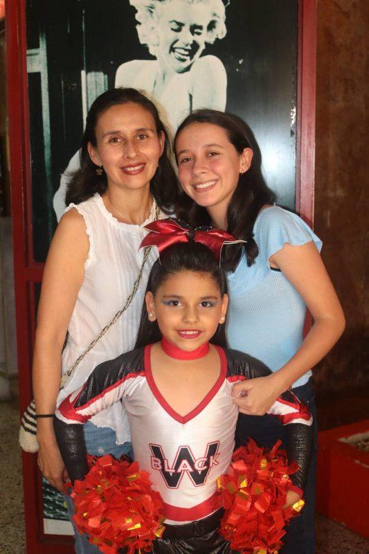 Consuelo Vásquez, Sara Lucía Blanco y Ana María Blanco. - Fabián Hernández/GENTE DE CABECERA