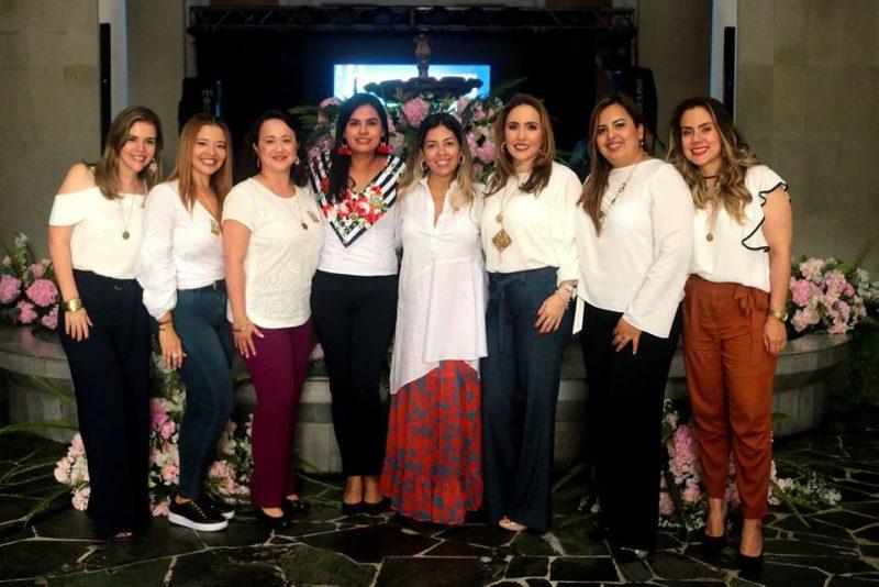 Marisol Quintero, Carolina Martínez, Carolina Durán, Shirley Pinto, Marcela Angarita, María Cristina Acevedo, Liseth Bohórquez y Mery Mantilla. - Fabián Hernández/GENTE DE CABECERA