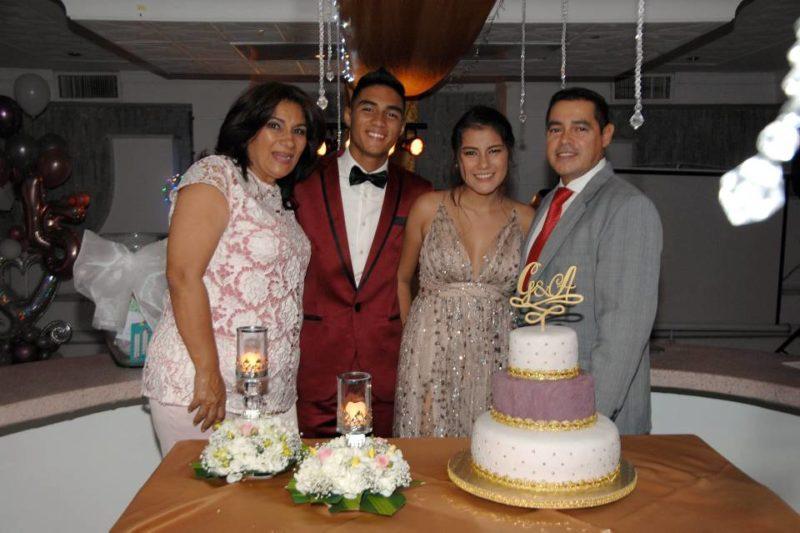 Edilsa Peña, Gabriel Andrés Funes Peña, Andrea Gabriela Funes Peña y Gabriel Funes. - Jaime del Río/GENTE DE CABECERA