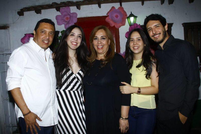 Alexander Navarro, María Claudia Navarro Abaunza, Claudia Patricia Abaunza de Navarro, María José Navarro Abaunza y Mauricio Navarro Abaunza. - César Flórez /GENTE DE CABECERA