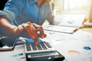El pronto pago de sus obligaciones tributarias le ayudará a ahorrar algunos pesos. - Banco de Imágenes/ GENTE DE CABECERA