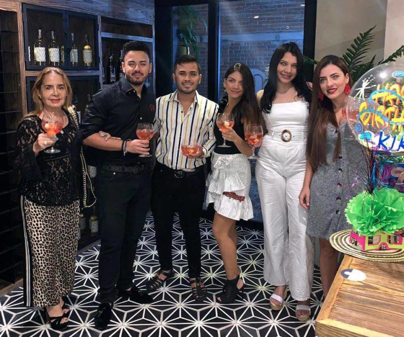 Gloria Santos, Andrés Arrunátegui, Kike Rodríguez, María Guevara, Angie Lara y Mirella Arrunátegui. - Suministrada / GENTE DE CABECERA
