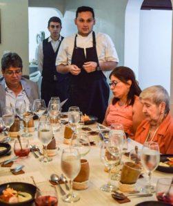 """El nombre """"Mesa Vacía"""" nace porque los ingredientes, los colores y sabores que Luis A. desarrolla """"llenan la mesa para el deleite de sus clientes"""". - Suministrada / GENTE DE CABECERA"""