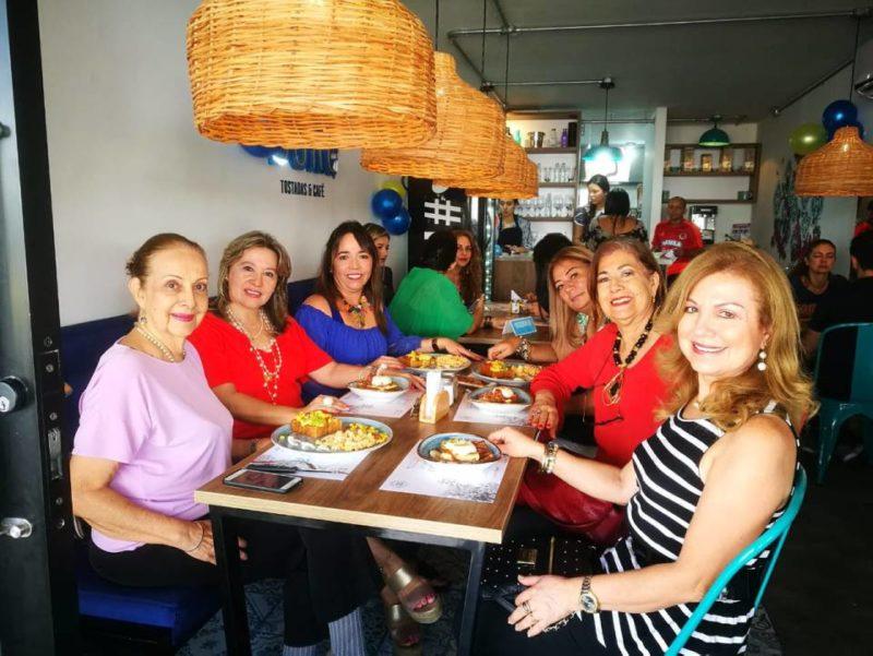 Cecilia Gamboa, Trinidad Flórez, Ana Milena Manosalva,Liliana Barragán,Cecilia Blanco y Esperanza Reyes. - Suministrada / GENTE DE CABECERA