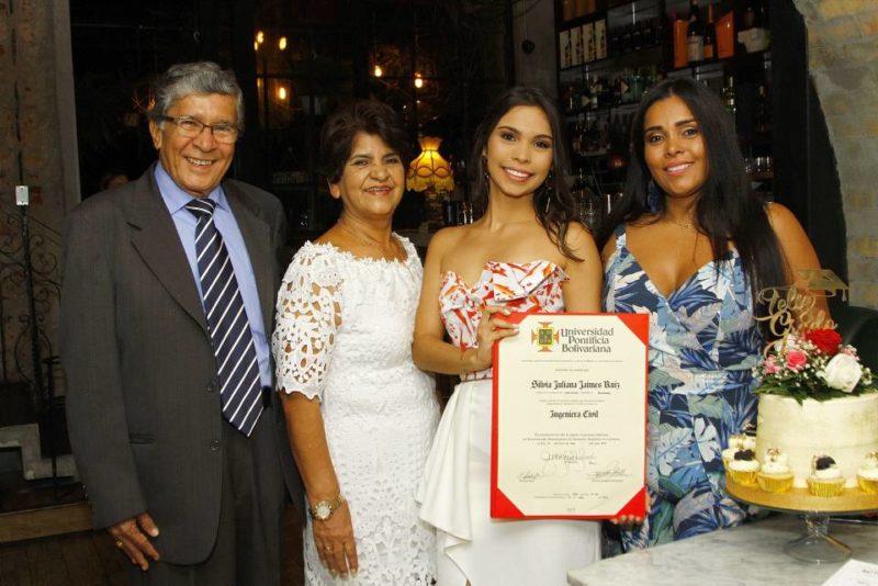 Jaime Ruíz, María Luisa Villamizar, Silvia Juliana Jaimes Ruiz y Diana Ruiz Villamizar. - César Flórez / GENTE DE CABECERA