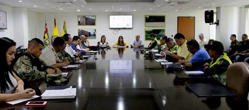 La decisión se tomó tras la realización de un consejo de seguridad convocado por el Alcalde (e), Germán Torres, al que asistieron los altos mandos de las principales autoridades de Bucaramanga. - Suministrada Alcaldía de Bucaramanga / GENTE DE CABECERA