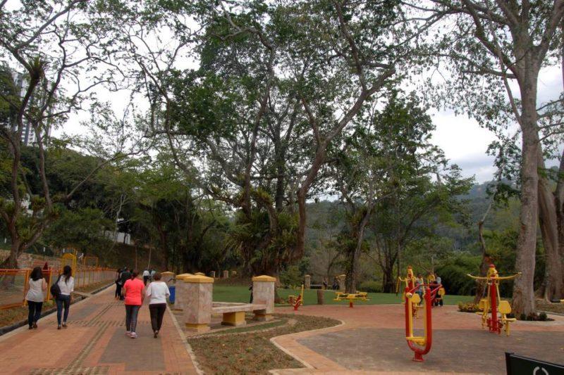 El parque Carlos Virviescas es una obra de la Cdmb que se abrió al público en 2015. - Archivo / GENTE DE CABECERA