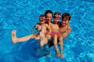 Los residentes tienen derecho de disfrutar de las zonas comunes. - Banco de imágenes /GENTE DE CABECERA