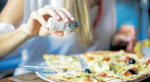 Evite el alto consumo de sal y azúcar para prevenir enfermedades y cuidar su salud. - / GENTE DE CABECERA