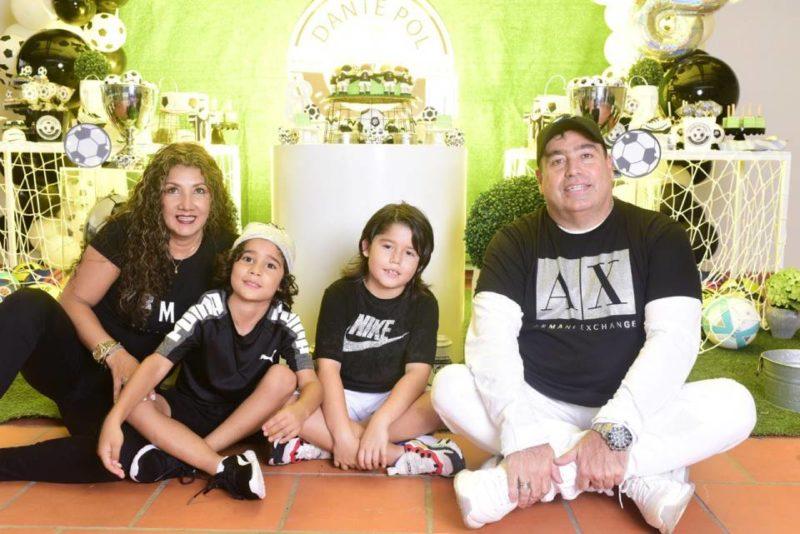 Fanny García Arévalo, Valentino Camargo García, Dante Pol Camargo García y Helmer Fabián Camargo. - Suministrada / GENTE DE CABECERA