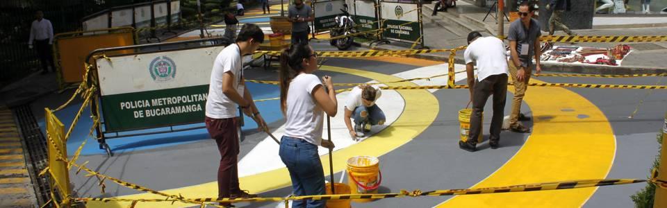 """El espacio público """"se viste"""" de color en 'Cuadra Play'  Voluntarios y ciudadanos expresan su opinión"""