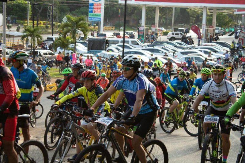 Alrededor de 600 ciclistas de diferentes edades participaron en la primera edición del evento. Este año se espera superar la cifra. - Suministrada / GENTE DE CABECERA