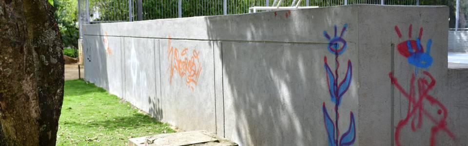 Denuncian actos de vandalismo en parque Los Leones
