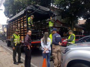 Durante los operativos, las autoridades encontraron a 11 personas que no tenían documentación legal para permanecer en Colombia y serán deportados. - Suministrada / GENTE DE CABECERA