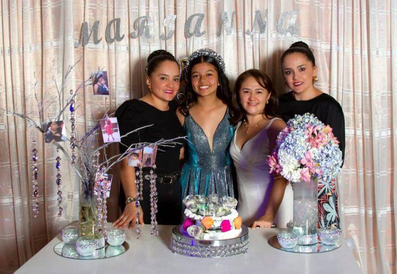 Yuribeth Calderón, Jeniffer Marianna Cabeza Calderón, Astrid Calderón y Yuriana Calderón. - Marco Valencia / GENTE DE CABECERA