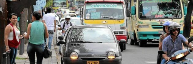 ¡El problema de los 'mal parqueados' persiste!