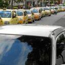 Taxis y centros comerciales: urge solución