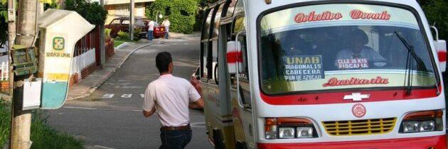Piden transporte público