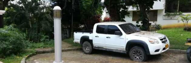 Vehículos invaden las calles  de Altos de Pan de Azúcar