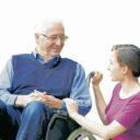 ¿Cómo evitar que el cuidado de un adulto mayor se  convierta en una carga?