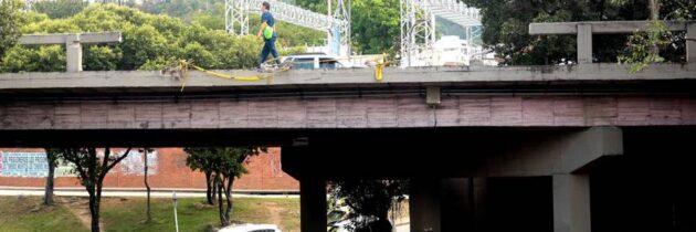 Peligro latente en el puente Conucos