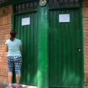 Iniciaron los trabajos de mantenimiento a los baños del parque La Flora
