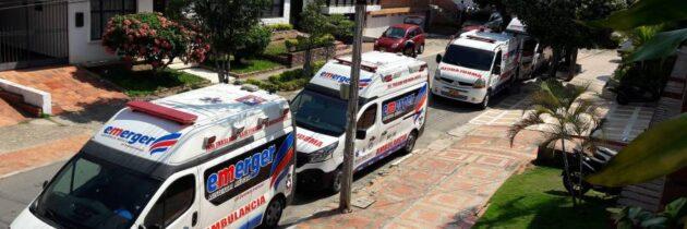 Ambulancias se apoderan del espacio público