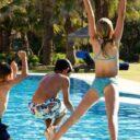 Tenga precaución con las piscinas