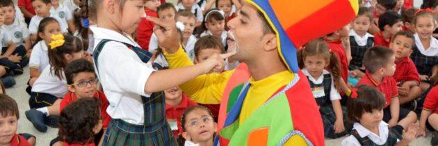 Piñata de admisiones en San Pedrito
